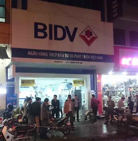 Chi nhánh BIDV tại đường Mai Thúc Loan, TP Huế, nơi xảy ra vụ nghi cướp.
