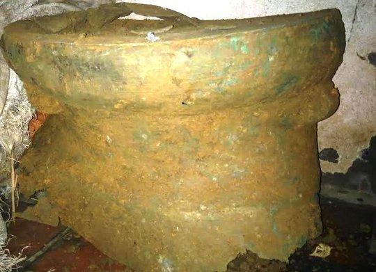 Chiếc trống đồng cổ có niên đại hàng ngàn năm tuổi được phát hiện gần Di sản thế giới Thành Nhà Hồ