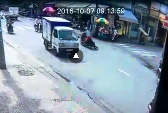 Hình ảnh cô gái trẻ bị cướp kéo lê trên đường gây phẫn nộ dư luận