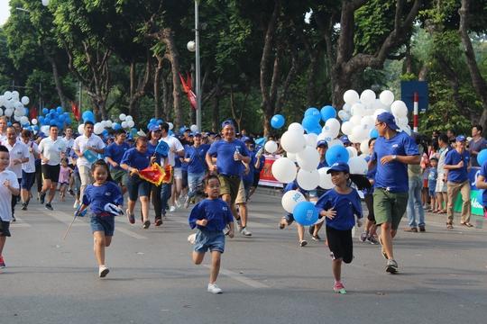 Giải thu hút cả các em nhỏ tới tham gia chạy cùng bố mẹ