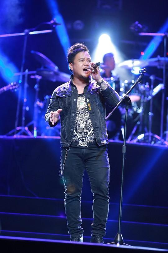 Ca sĩ Y Garia (con trai cố nhạc sĩ Y Moan) hát những ca khúc mang âm hưởng Tây Nguyên của Trần Tiến không thể nào hay hơn