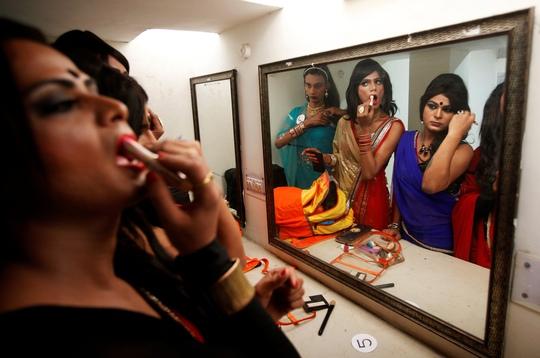 Một chương trình thời trang của người chuyển giới ở TP Chandigarh - Ấn Độ, hồi tháng 11 Ảnh: REUTERS