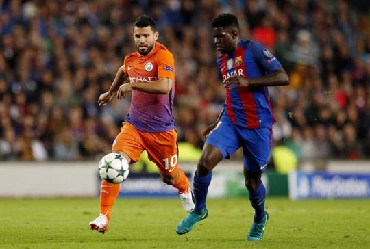 Aguero (trái) được kỳ vọng sẽ phá lưới Barcelona sau khi có phong độ tốt vào cuối tuần qua Ảnh: REUTRS