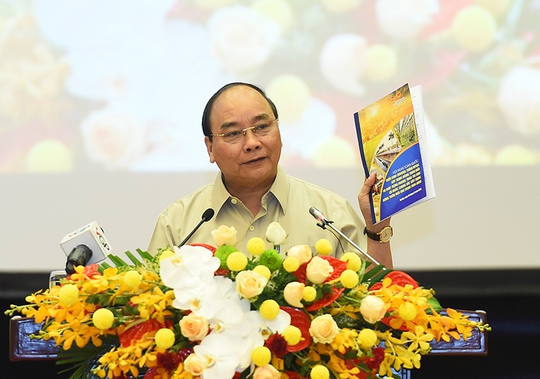 Thủ tướng Nguyễn Xuân Phúc chỉ đạo Hội nghị toàn quốc triển khai Chương trình mục tiêu quốc gia xây dựng nông thôn mới Ảnh: QUANG HIẾU