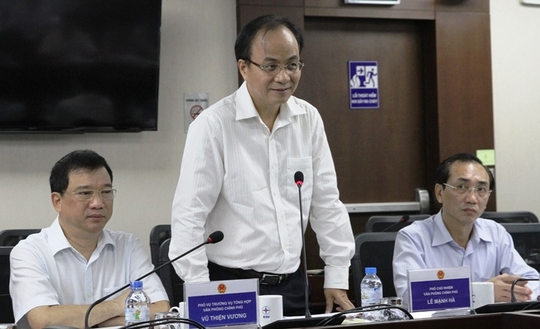 Phó Chủ nhiệm Văn phòng Chính phủ Lê Mạnh Hà trong buổi kiểm tra tại EVN