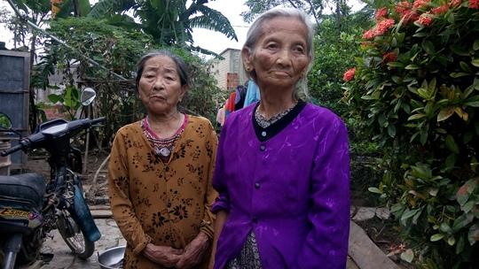 Người dân thôn Trung Thôn bất bình vì bị các cán bộ thôn truy thu hơn phân nữa số tiền sau khi nhận