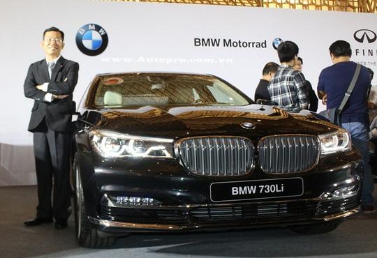 Trong ảnh là chiếc sedan hạng sang BMW 730 Li 2016 và các biến thể cao cấp như 740 Li, 750 Li cũng sẽ góp mặt tại triển lãm VIMS 2016.