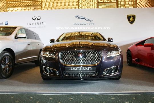 Jaguar XJL Autobiography phiên bản cao cấp nhất của báo gấm cũng sẽ xuất hiện tại triển lãm VIMS 2016.