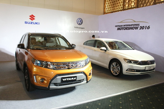 Bộ đôi Suzuki Vitara và Volkswagen Passat.