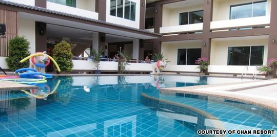 Một góc hồ bơi tại Chan Resort. Ảnh: Chan Resort