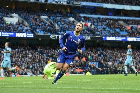 Hazard ăn mừng bàn thắng nâng tỉ số lên 3-1 cho Chelsea