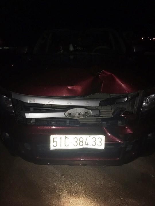 Chiếc xe bán tải gây tai nạn sau khi bị vây bắt