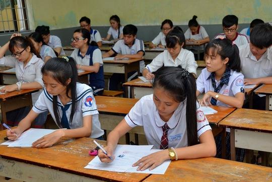 Thí sinh dự thi THPT quốc gia môn toán năm 2016 Ảnh: Tấn Thạnh