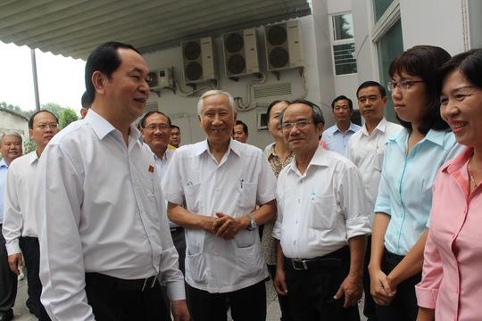 Chủ tịch nước Trần Đại Quang tiếp xúc cử tri ở TP HCM ngày 4-10 Ảnh: Bảo Nghi