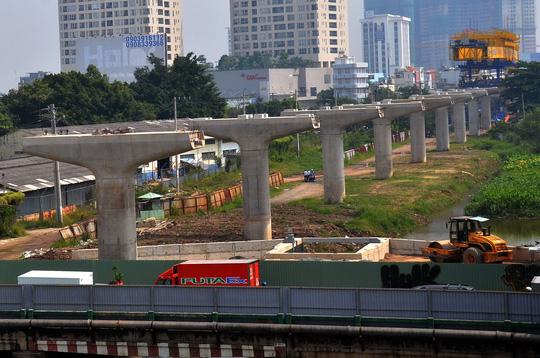 Trong 10 năm tới, TP HCM dự kiến cần 1 triệu tỉ đồng cho riêng hạ tầng giao thôngẢnh: Tấn Thạnh