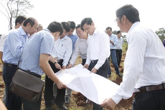 Đoàn công tác của Bộ GTVT và UBND tỉnh Đắk Lắk khảo sát tìm phương án tối ưu cho tuyến tránh
