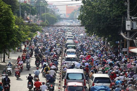 Giao thông trên đường Phan Văn Trị (quận Gò Vấp, TP HCM) luôn bị ùn ứẢnh: GIA MINH