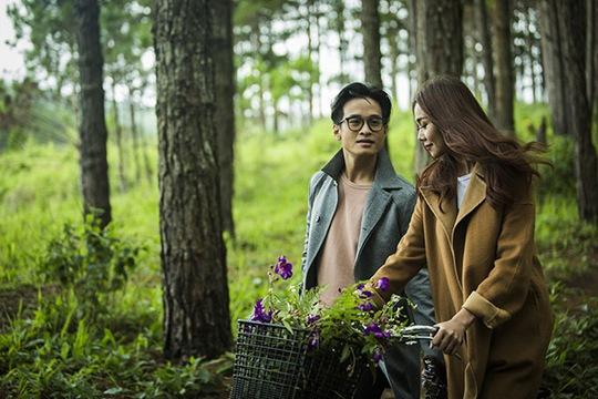 """Hình ảnh MV """"Tháng tư là lời nói dối của em"""" của Hà Anh Tuấn"""