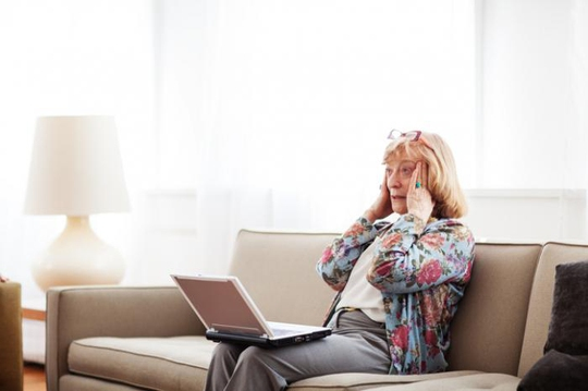 Dementia có thể bắt đầu bằng tình trạng suy giảm trí nhớ Ảnh: MNT