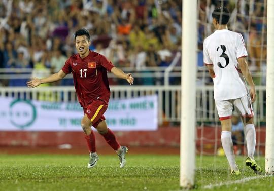Văn Thanh sau pha ghi bàn đẹp mắt, xuất phát từ đường chuyền của Xuân TrườngẢnh: Quang Liêm