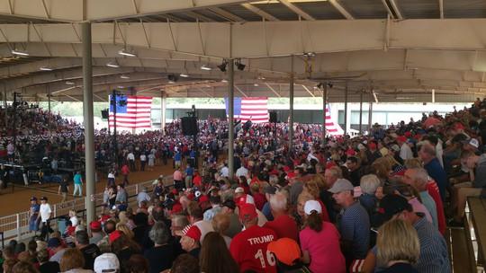 Đám đông ủng hộ ông Trump tại TP Ocala, bang Florida. Ảnh: Twitter