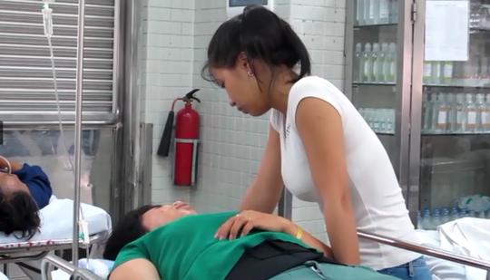 Nạn nhân đang cấp cứu điều trị tại Bệnh viện Chợ Rẫy