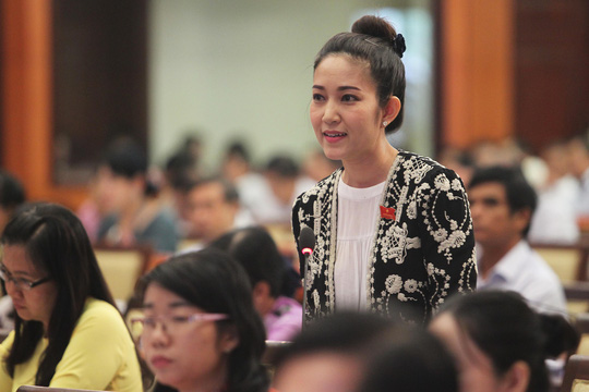 Đại biểu Nguyễn Thị Thanh Thúy chất vấn