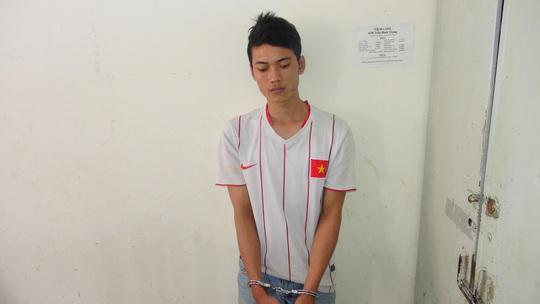 Đối tượng hiếu bị bắt đưa về công an TP Nha Trang- ảnh: C.A