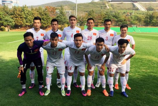 Đội hình chính của tuyển Việt Nam ở trận gặp Trẻ Seoul Ảnh: Nhật Đoàn