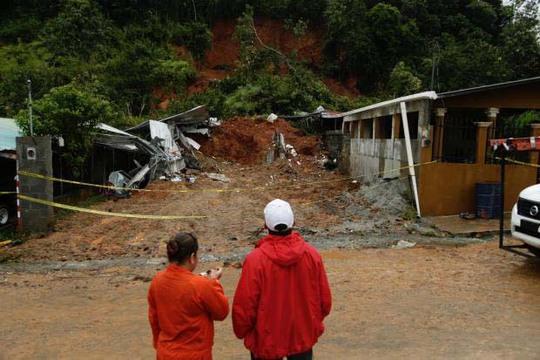 Động đất 7,2 độ richter làm rung chuyển El Salvador, Nicaragua hôm 24-11Ảnh: AP