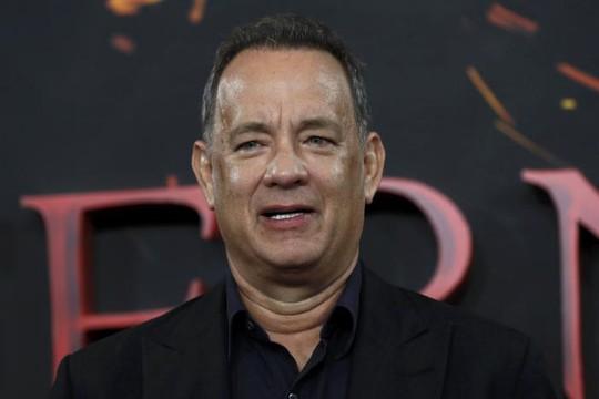 Tom Hanks được hai báo xin lỗi công khai và đính chính vì tung tin ông sắp ly dị vợ