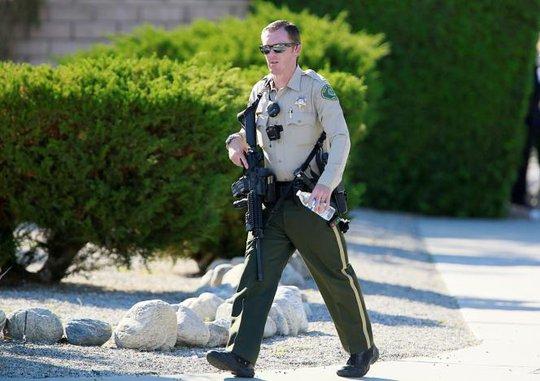 Ban đầu, cảnh sát nhận được cuộc gọi nhờ giải quyết tranh cãi gia đình. Ảnh: Reuters