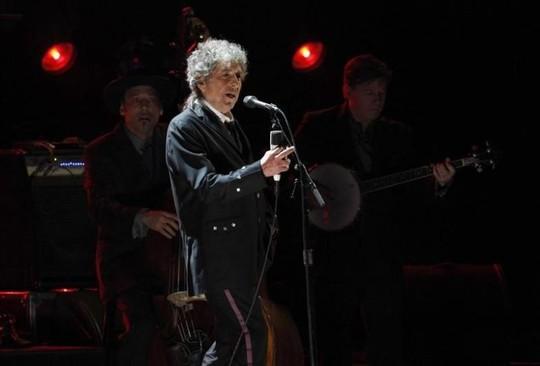 Bob Dylan vẫn im lặng trước giải Nobel dù ngày trao sắp đến