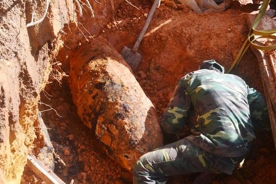 Quả bom khủng nặng gần 350 kg nằm ngay dưới móng nhà người dân ở TP Đà Lạt.