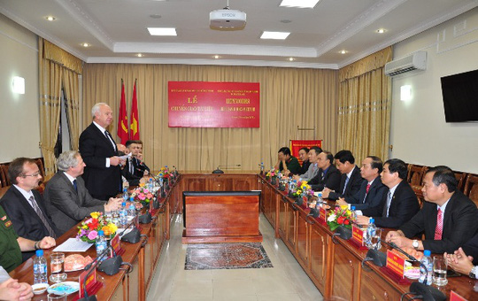 Quang cảnh Lễ chuyển giao tài liệu cho Ban quản lý Lăng Chủ tịch Hồ Chí Minh diễn ra tại Hà Nội