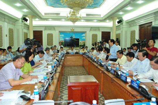 Toàn cảnh UBND TP HCM họp kinh tế xã hội 10 tháng. Ảnh: Bảo Nghi