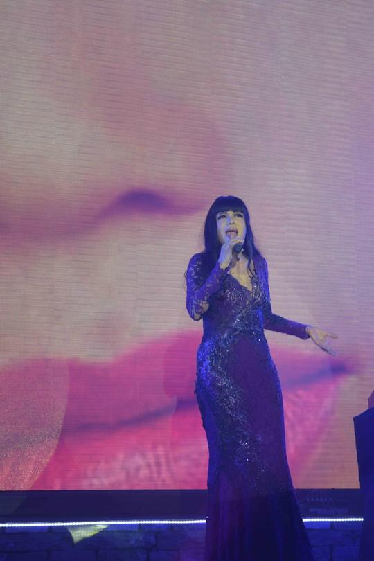 Cô ca sĩ nổi danh từ những năm 80 nay vẫn luôn trẻ đẹp