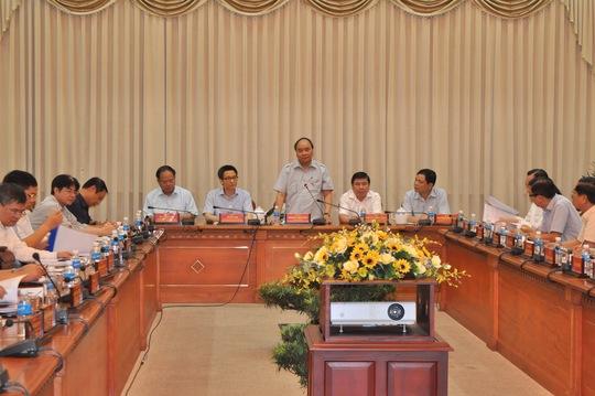 Thủ tướng Nguyễn Xuân Phúc làm việc với UBND TP HCM ngày 8-10.