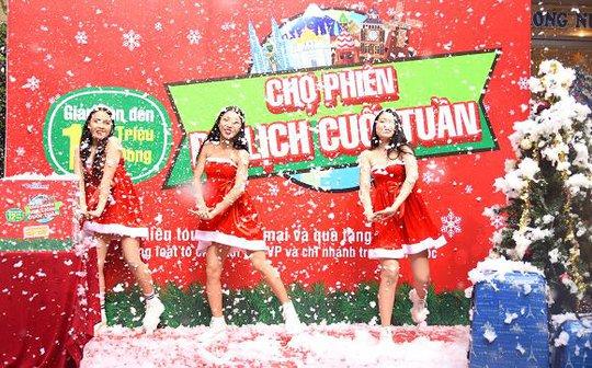 Vũ điệu chào đón Giáng sinh trong niềm hân hoan và hạnh phúc