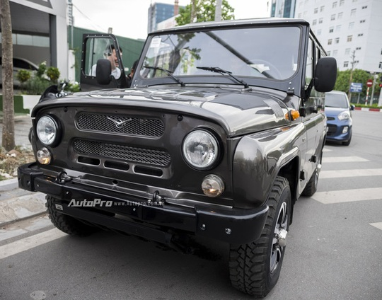 Được biết, chiếc Uaz Hunter về Việt Nam thuộc bản cao cấp nhất mang tên Trophy.