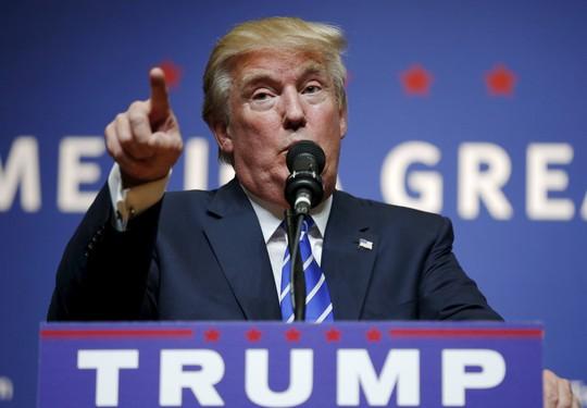 Ông Trump tuyên bố không bao giờ từ bỏ cuộc đua đến Nhà Trắng. Ảnh: Reuters