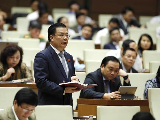 Bộ trưởng Bộ Tài chính Đinh Tiến Dũng thừa nhận nợ công giai đoạn 2011-2015 tăng nhanh Ảnh: TTXVN