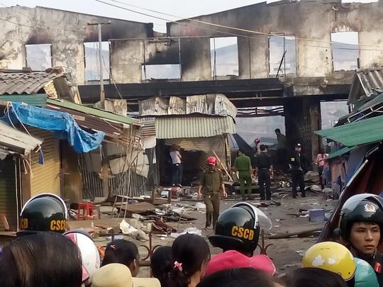 Chợ Sơn tan hoang sau vụ hỏa hoạn