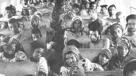 Người Yemen trên đường đến Israel năm 1950. Ảnh: Aljazeera
