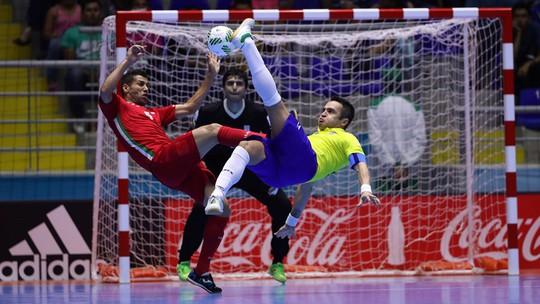 Falcao đã có cú hat-trick vào lưới Iran nhưng không thể giúp Brazil vào tứ kết