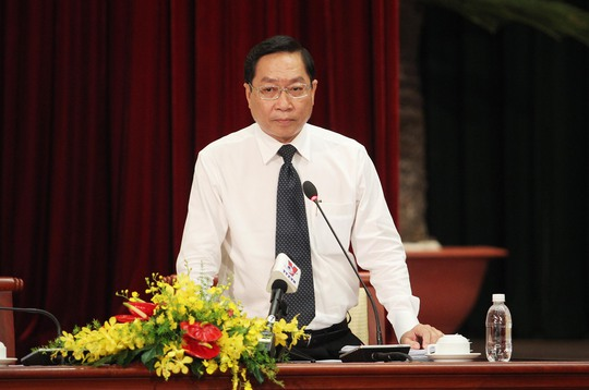 Giám đốc Sở Y tế Nguyễn Tấn Bỉnh trả lời chất vấn của đại biểu HĐND sáng 8-12