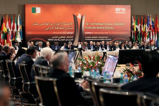 Các nước tham gia Diễn đàn năng lượng quốc tế lần thứ 15 (IEF15) ngày 28-9 ở thủ đô Algiers - Algeria Ảnh: REUTERS