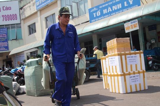 Ga Sài Gòn nhận vận chuyển miễn phí hàng cứu trợ cho đồng bào miền Trung bị thiệt hại do lũ