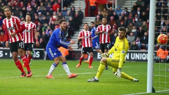 Eden Hazard được kỳ vọng sẽ giúp Chelsea trở lại cuộc đua ngôi đầu ngay ở vòng đấu này Ảnh: Reuters