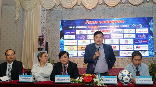Nhà báo Nguyễn Công Khế, đại diện BTC phát biểu